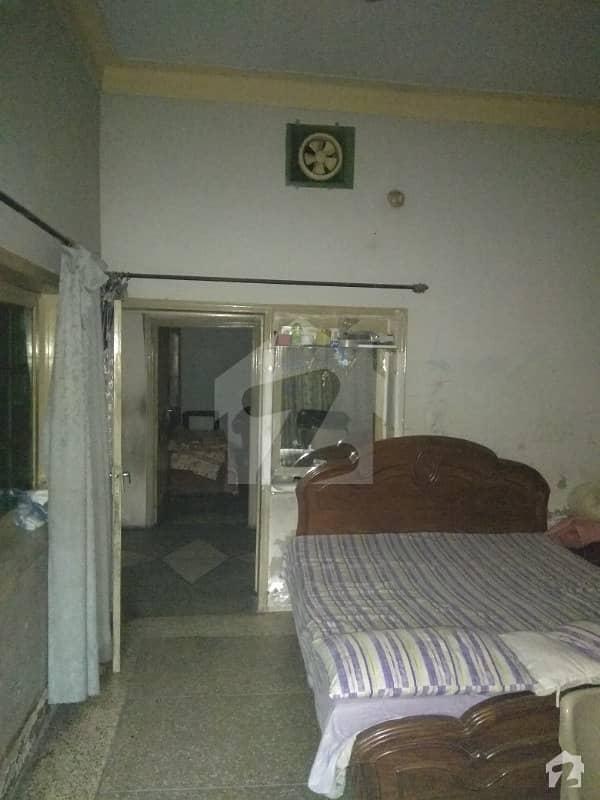 رام گڑھ مغلپورہ لاہور میں 7 کمروں کا 7 مرلہ مکان 1 کروڑ میں برائے فروخت۔
