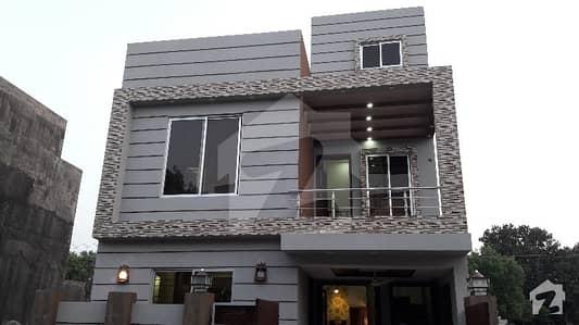 بحریہ ٹاؤن ۔ بلاک بی بی بحریہ ٹاؤن سیکٹرڈی بحریہ ٹاؤن لاہور میں 3 کمروں کا 5 مرلہ مکان 48 ہزار میں کرایہ پر دستیاب ہے۔