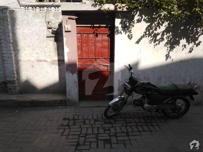 لطیف آباد یونٹ 8 لطیف آباد حیدر آباد میں 10 کمروں کا 6 مرلہ مکان 1.5 کروڑ میں برائے فروخت۔