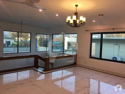 Beautiful Brand New House 7 Bedrooms 2 Gate Lawn