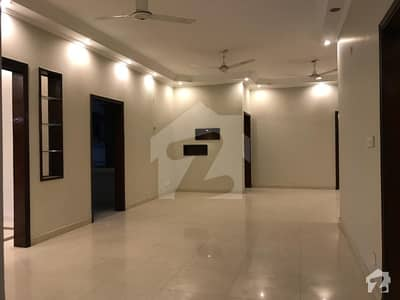 کلفٹن ۔ بلاک 8 کلفٹن کراچی میں 3 کمروں کا 11 مرلہ فلیٹ 1.2 لاکھ میں کرایہ پر دستیاب ہے۔