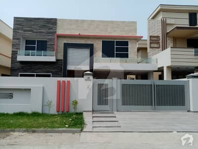 1kanal House For Rent