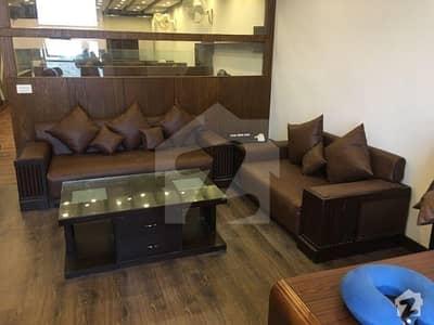 گلبرگ لاہور میں 3 مرلہ دفتر 1.2 کروڑ میں برائے فروخت۔