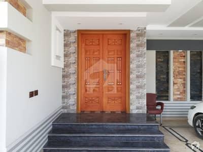 ڈی سی کالونی گوجرانوالہ میں 6 کمروں کا 1 کنال مکان 3.5 کروڑ میں برائے فروخت۔