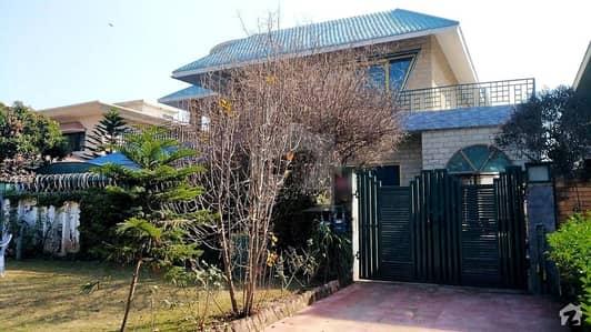 آئی ۔ 8/2 آئی ۔ 8 اسلام آباد میں 3 کمروں کا 1.2 کنال زیریں پورشن 1.15 لاکھ میں کرایہ پر دستیاب ہے۔