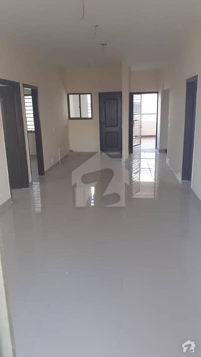 گلستان جوہر - بلاک 16-A گلستانِ جوہر کراچی میں 4 کمروں کا 8 مرلہ فلیٹ 60 ہزار میں کرایہ پر دستیاب ہے۔