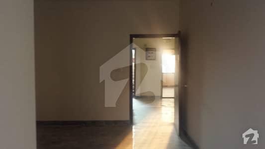 ڈی ایچ اے فیز 2 ایکسٹینشن ڈی ایچ اے ڈیفینس کراچی میں 4 کمروں کا 8 مرلہ فلیٹ 70 ہزار میں کرایہ پر دستیاب ہے۔