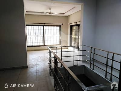 جی ۔ 6 اسلام آباد میں 5 کمروں کا 16 مرلہ مکان 2.3 لاکھ میں کرایہ پر دستیاب ہے۔
