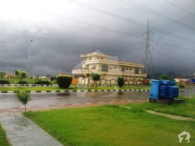 ڈی ایچ اے فیز 2 - سیکٹر ایف ڈی ایچ اے ڈیفینس فیز 2 ڈی ایچ اے ڈیفینس اسلام آباد میں 1 کنال رہائشی پلاٹ 1.85 کروڑ میں برائے فروخت۔
