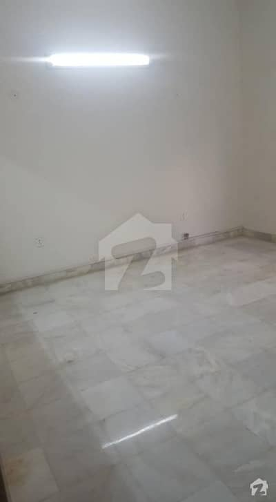 240 Sq Yards House For Rent