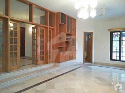 ایف ۔ 11/3 ایف ۔ 11 اسلام آباد میں 7 کمروں کا 1.33 کنال مکان 2.5 لاکھ میں کرایہ پر دستیاب ہے۔
