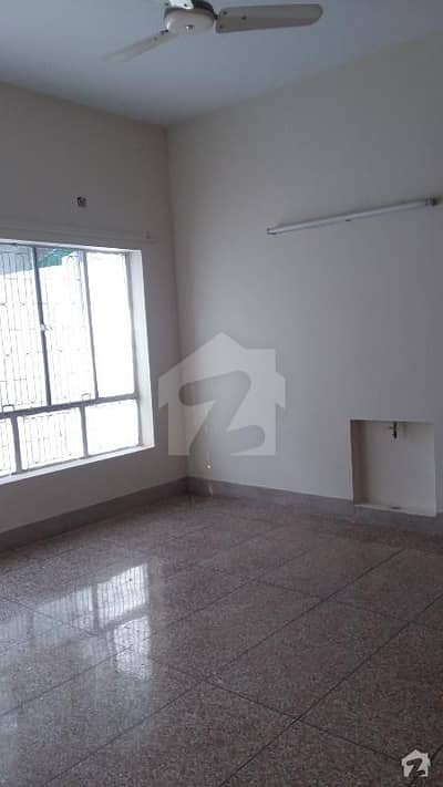 3570 Double storey liveable house five bedrooms Attach bathrooms DD
