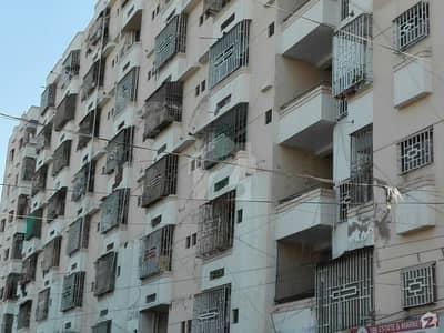 گلستانِِ جوہر ۔ بلاک 13 گلستانِ جوہر کراچی میں 2 کمروں کا 3 مرلہ فلیٹ 18 ہزار میں کرایہ پر دستیاب ہے۔