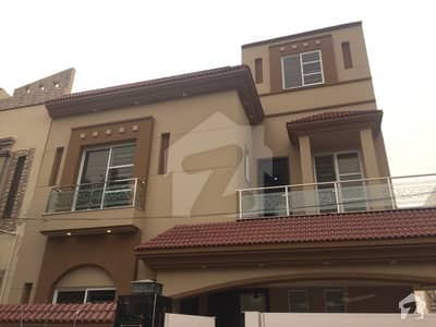 10 MARLA BRAND NEW STYLISH HOUSE FOR RENT IN BAHRIA TOWN LAHORE