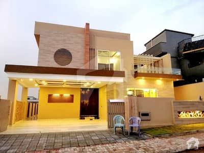 بحریہ ٹاؤن فیز 4 بحریہ ٹاؤن راولپنڈی راولپنڈی میں 5 کمروں کا 1 کنال مکان 4.5 کروڑ میں برائے فروخت۔