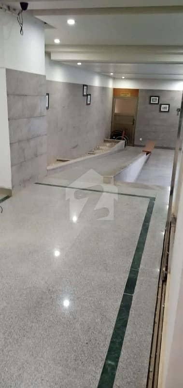 فاطما گولف ریزیڈنسی گلستانِ جوہر کراچی میں 4 کمروں کا 8 مرلہ فلیٹ 45 ہزار میں کرایہ پر دستیاب ہے۔