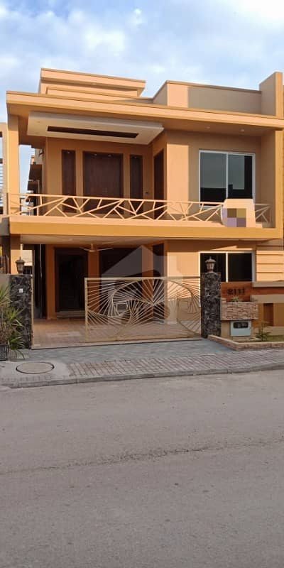10 Marla Brand New Front Back Open House For Sale Bahria Town Phase 3