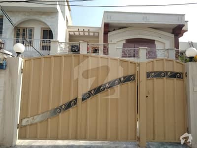 10 Marla Beautiful Double Storey House For Rent At Gated Colony Fully Pack Developed Area