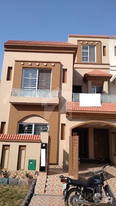بحریہ ٹاؤن سیکٹرڈی بحریہ ٹاؤن لاہور میں 3 کمروں کا 5 مرلہ مکان 45 ہزار میں کرایہ پر دستیاب ہے۔