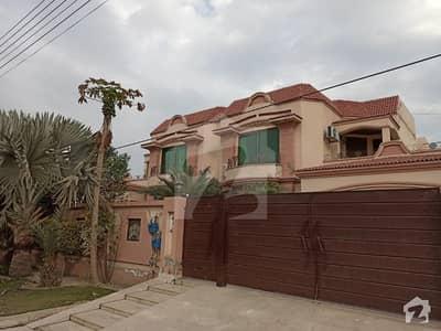 ویلینشیاء ۔ بلاک جی ویلینشیاء ہاؤسنگ سوسائٹی لاہور میں 4 کمروں کا 1 کنال بالائی پورشن 47 ہزار میں کرایہ پر دستیاب ہے۔
