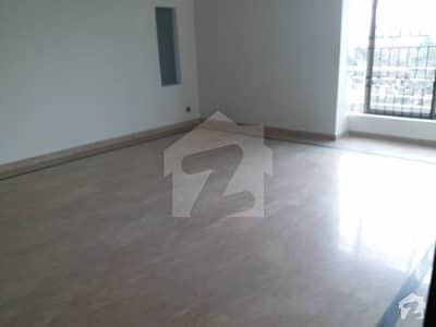 ویلینشیاء ۔ بلاک جی ویلینشیاء ہاؤسنگ سوسائٹی لاہور میں 3 کمروں کا 1 کنال بالائی پورشن 55 ہزار میں کرایہ پر دستیاب ہے۔