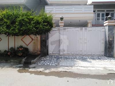 حیات آباد فیز 1 - ڈی1 حیات آباد فیز 1 حیات آباد پشاور میں 7 کمروں کا 1 کنال مکان 5 کروڑ میں برائے فروخت۔