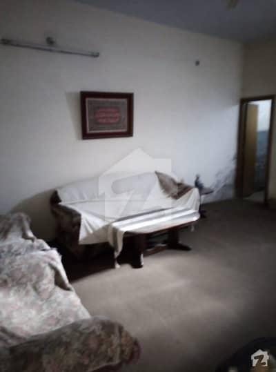 فاروق کالونی سرگودھا میں 1 کمرے کا 1 مرلہ کمرہ 4 ہزار میں کرایہ پر دستیاب ہے۔