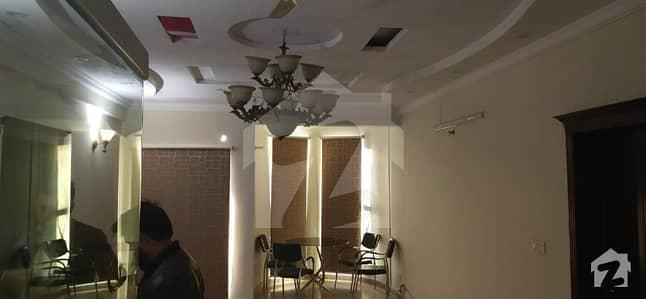 الصفہ ہائٹس ایف ۔ 11 مرکز ایف ۔ 11 اسلام آباد میں 3 کمروں کا 12 مرلہ فلیٹ 1.9 کروڑ میں برائے فروخت۔