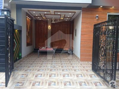 5 MARLA UPPER PORTION AVAILABLE IN BB BLOCK SECTOR D BAHRIA TOWN LAHORE