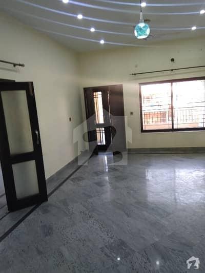 اقبال ایوینیو فیز 1 اقبال ایوینیو لاہور میں 3 کمروں کا 1 کنال بالائی پورشن 45 ہزار میں کرایہ پر دستیاب ہے۔