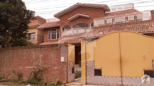Hayatabad Phase 2 G3 1 Kanal House For Rent 10 Room 7 Bathroom
