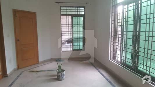 واپڈا ٹاؤن فیز 1 - بلاک جے3 واپڈا ٹاؤن فیز 1 واپڈا ٹاؤن لاہور میں 2 کمروں کا 10 مرلہ زیریں پورشن 35 ہزار میں کرایہ پر دستیاب ہے۔