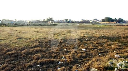 Facing Golf Course Carpeted Road Direct Plot No 599 For Sale