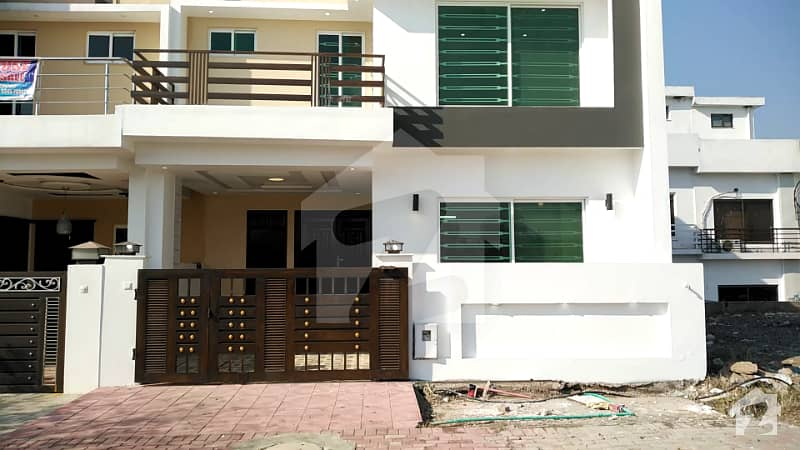Reasonable Brand New And Ideal Located Sector B1 5 Marla House On 80 Feet Main Boulevard For Sale In Bahria Enclave