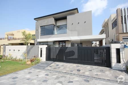 Leads Estates 10 Marla Brand New Beautiful Design Palace Hot Location For Sale