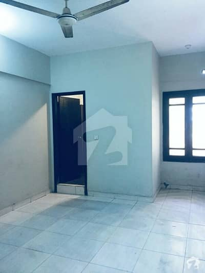 ڈی ایچ اے فیز 5 ڈیفنس (ڈی ایچ اے) لاہور میں 2 کمروں کا 4 مرلہ فلیٹ 45 ہزار میں کرایہ پر دستیاب ہے۔