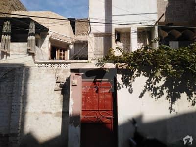 لطیف آباد یونٹ 8 لطیف آباد حیدر آباد میں 7 کمروں کا 6 مرلہ مکان 1.5 کروڑ میں برائے فروخت۔