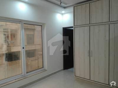 لیک سٹی - سیکٹر M7 - بلاک ڈی لیک سٹی ۔ سیکٹرایم ۔ 7 لیک سٹی رائیونڈ روڈ لاہور میں 3 کمروں کا 5 مرلہ مکان 1.35 کروڑ میں برائے فروخت۔
