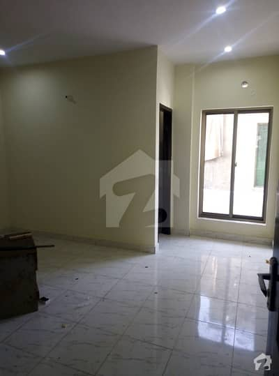 5 Marla Brand New Flat For Rent