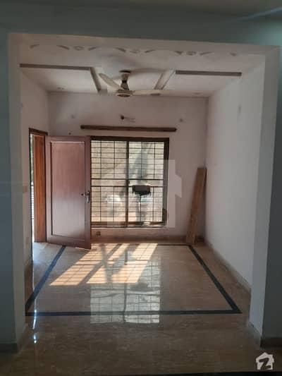 کینال گارڈنز - بلاک اے اے کینال گارڈن لاہور میں 2 کمروں کا 5 مرلہ بالائی پورشن 21 ہزار میں کرایہ پر دستیاب ہے۔