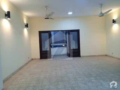 RIAZ KANDY WALA 2  APARTMENT FOR SALE