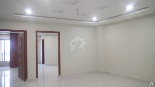 بحریہ بزنس ڈسٹرکٹ بحریہ ٹاؤن راولپنڈی راولپنڈی میں 2 کمروں کا 5 مرلہ فلیٹ 73.5 لاکھ میں برائے فروخت۔