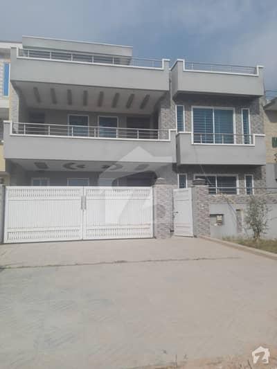 جی ۔ 13/4 جی ۔ 13 اسلام آباد میں 6 کمروں کا 11 مرلہ مکان 4.1 کروڑ میں برائے فروخت۔