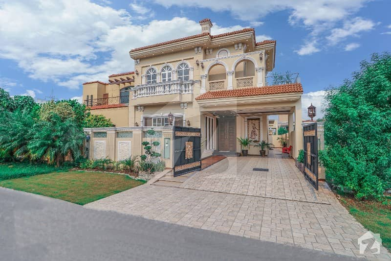 Basement Spanish 10 Marla Exotic House For Sale Near Park