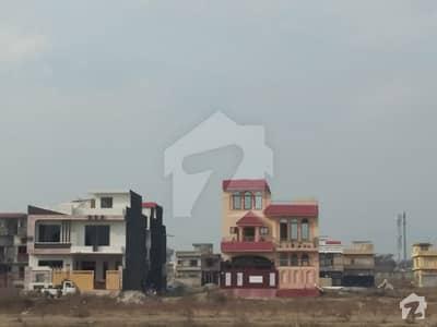 آئی 11/2 آئی ۔ 11 اسلام آباد میں 5 مرلہ کمرشل پلاٹ 4.55 کروڑ میں برائے فروخت۔