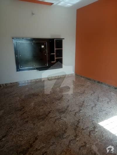 المجید پیراڈایئز رفیع قمر روڈ بہاولپور میں 1 کمرے کا 5 مرلہ بالائی پورشن 16 ہزار میں کرایہ پر دستیاب ہے۔