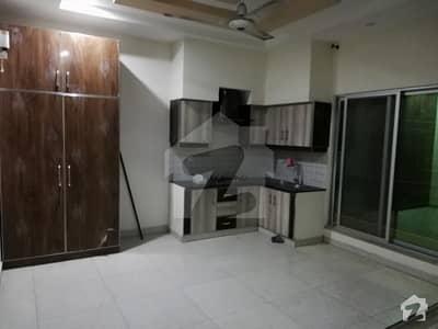کیولری گراؤنڈ لاہور میں 2 کمروں کا 2 مرلہ مکان 35 ہزار میں کرایہ پر دستیاب ہے۔
