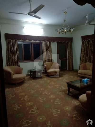 کراچی ایڈمنسٹریشن ایمپلائیز سوسائٹی جمشید ٹاؤن کراچی میں 5 کمروں کا 17 مرلہ بالائی پورشن 80 ہزار میں کرایہ پر دستیاب ہے۔