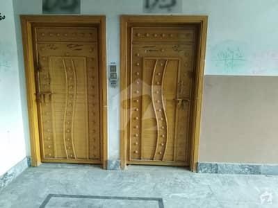 گلبرگ پشاور میں 2 کمروں کا 3 مرلہ فلیٹ 16 ہزار میں کرایہ پر دستیاب ہے۔