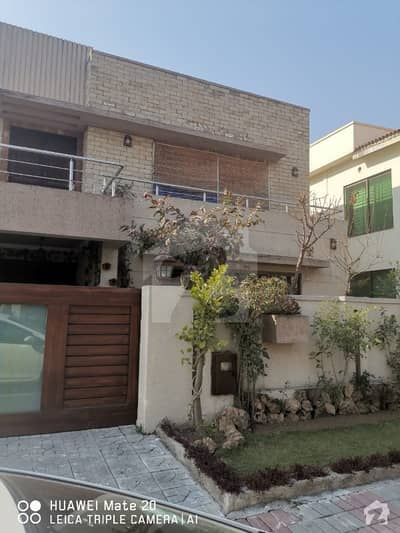 1 Kanal Luxury Villa For Sale In Bahria Town Phase 4